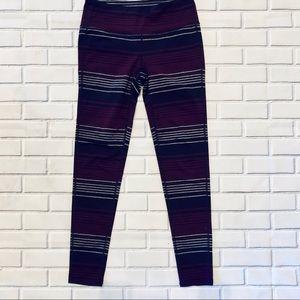 💪🏃♀️Athleta Striped Leggings. Size M 🏃♀️💪